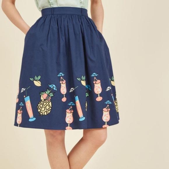 8f2e35a8c7e NWT Modcloth Tropical Drink Print Full Skirt Large